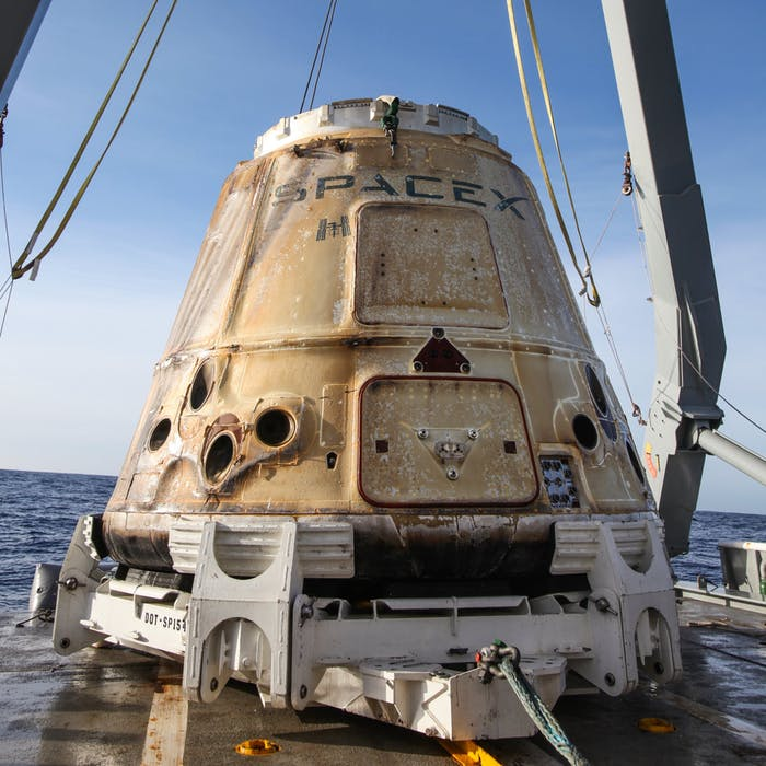 SpaceX's Dragon Capsule Returns to Earth Looking Like A ...